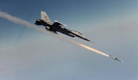 جيش الكيان الصهيوني يشن غارات جوية على قطاع غزة