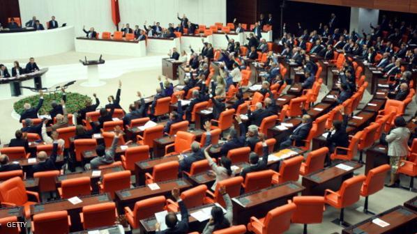 تركيا: الإخوان يطرحون مشروع قانون للسيطرة على القضاء