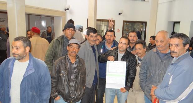 """دخول 5 عمّال بشركة """"سوماترا جات"""" في إضراب جوع"""