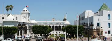 قصر الحكومة بالقصبة: أمنيون معزولون يحتجّون