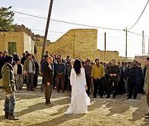«حدود الحريم»  من الدّيكور إلى عروس الشّمع المحترقة