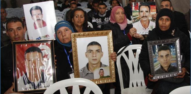 10 من عائلات شهداء الثورة يدخلون في إضراب جوع