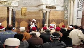 رئاسة الحكومة تقرّر اتخاذ الإجراءات القضائية والأمنية ضد كلّ إمام مخالف