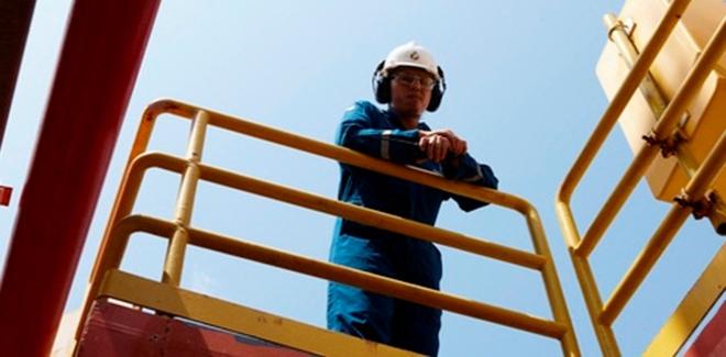 تطاوين: تسريح حوالي 800 عامل وتقني في شركات خدمات بترولية