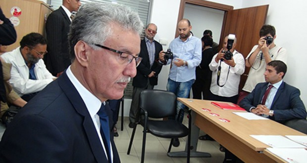 هيئة الانتخابات تتسلم ملف مرشّح الجبهة الشعبية للرئاسة حمّة الهمّامي المتعلّق بالتزكيات الشعبية