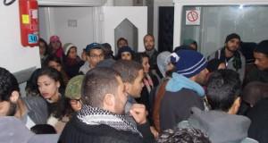 وزارة التعليم العالي: الأمن يعتدي على الطلبة المعتصمين ويخرجهم بالعنف