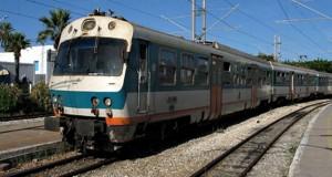 أعوان وإطارات السكك الحديدية بالقصرين يضربون عن العمل