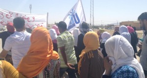 مسيرة تضامن مع المضربين عن الطعام بمنزل بوزيّان