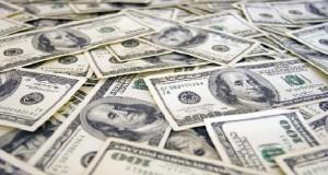 رجال اعمال ومدراء بنوك متورطون في تهريب العملة الصعبة نحو الخارج