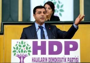 """""""الشعوب الديمقراطي"""": لم نطلب تدخل الجيش التركي لإنقاذ """"كوباني"""""""