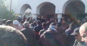 عمال ستيب بمساكن في وقفة احتجاجية امام المعتمدية